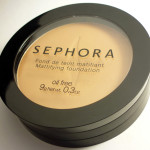 Testei: base mineral Mattifying Foundation – Sephora