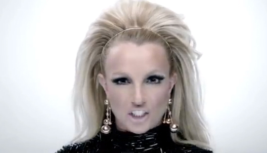 britney bitch Scream & Shout – veja o novo clipe de will.i.am e Britney Spears e corra pra boate!